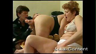 3 grandmas meet for lesbian group sex