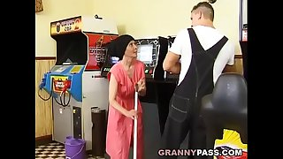 Muscle Guy Fucks Ugly Granny