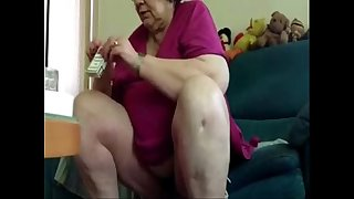 Caught my old chubby mom with no panty. Hidden cam