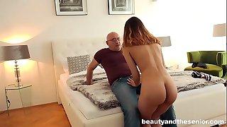 Old man Bruno fucks young pornstar Esperanza del Bruno
