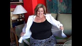 Big beautiful old spunker fucks her soaking wet pussy