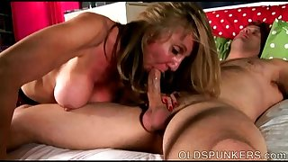 Jenna is a beautiful big tits old spunker who loves to fuck