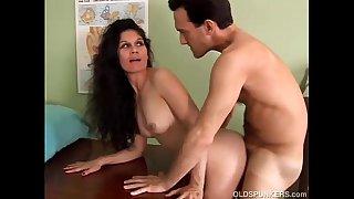 Sexy latina MILF Carmen loves the taste of cum