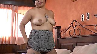 Latin Chili Two mature pussies masturbation